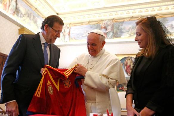 Mariano Rajoy, primer mandatario europeo que recibe Francisco: