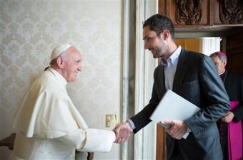 CEO Instagram y Papa Francisco.png